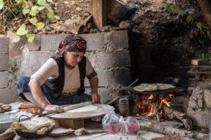 Egil, Diyarbakir, Amed, Kurdistan, Kurdish, woman, pita, handmade, tradition, culture