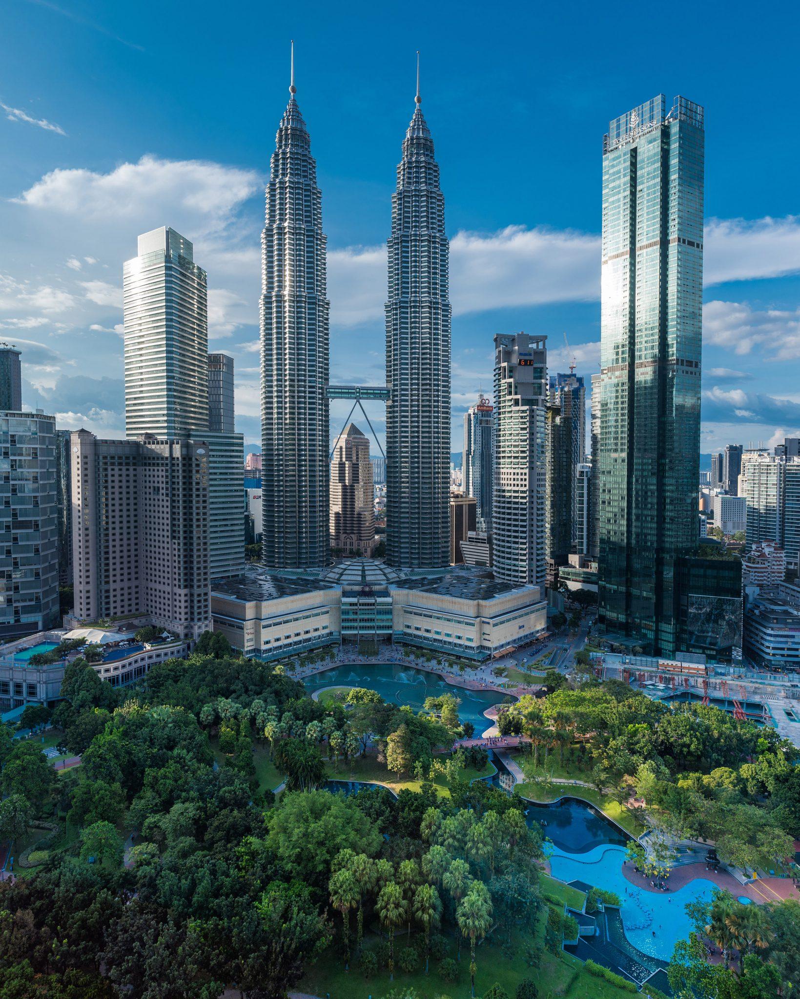 Petronas Towers - Day light